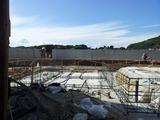 基礎工事始まってます。